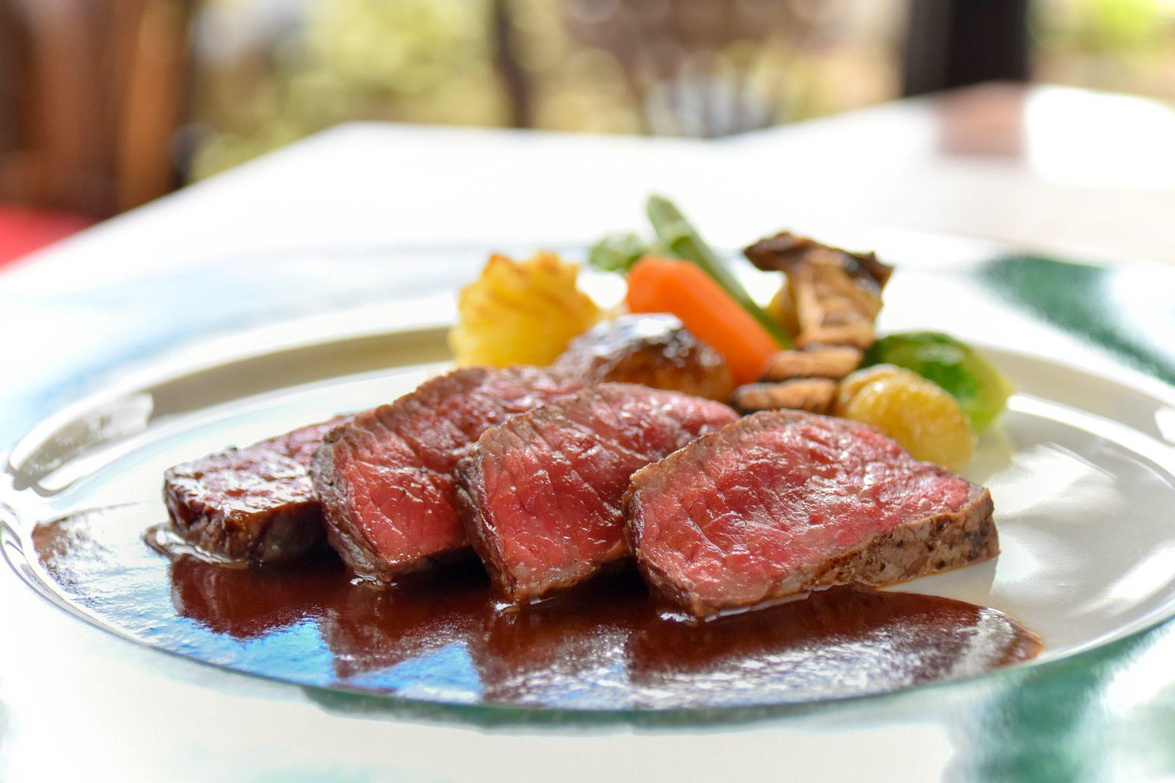 団体様向けに秋の食材を使用したお料理と、神戸の紅葉スポットをご紹介。